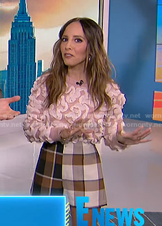 Lilliana's pink ruffled sweater and check shorts on E! News
