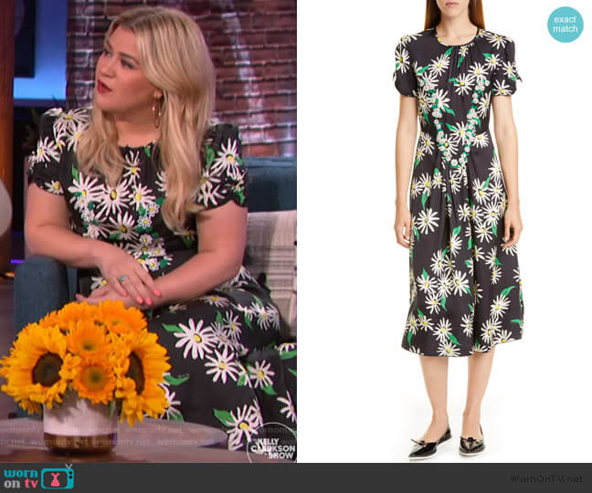 Sofia Loves the 40s Floral & Dot Jacquard Midi Dress by Marc Jacobs worn by Kelly Clarkson  on The Kelly Clarkson Show