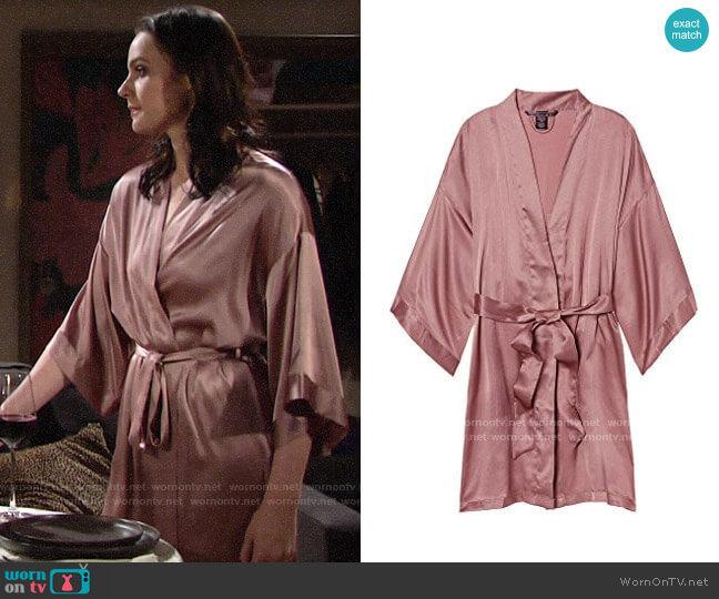 Vicotiras Secret Short Satin Kimono worn by Tessa Porter (Cait Fairbanks) on The Young & the Restless