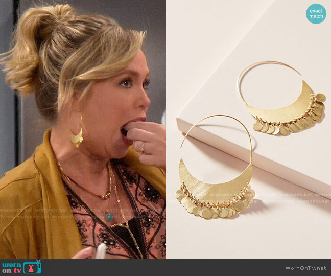 Anthropologie Cara Coin Hoop Earrings worn by Kristin Baxter (Amanda Fuller) on Last Man Standing