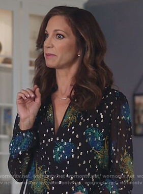 Tracy Freeze's black floral metallic blouse on Single Parents