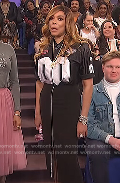 Wendy's black jersey and zip front skirt on The Wendy Williams Show