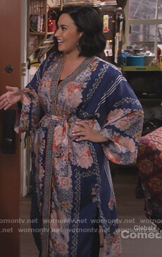 Jenny's blue floral print kimono on Will and Grace
