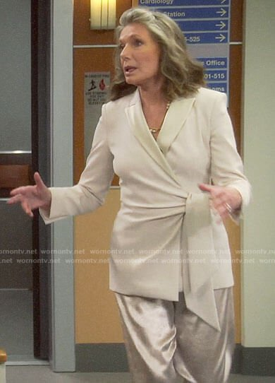 Bonnie's wedding suit on Last Man Standing