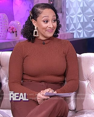 Tamera's brown smocked top and pants on The Real