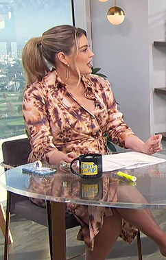 Carissa's tie-dye shirtdress on E! News Daily Pop