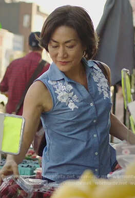 Umma's blue chambray floral top on Kims Convenience
