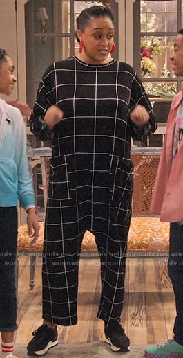Cocoa's black checked jumpsuit on Family Reunion