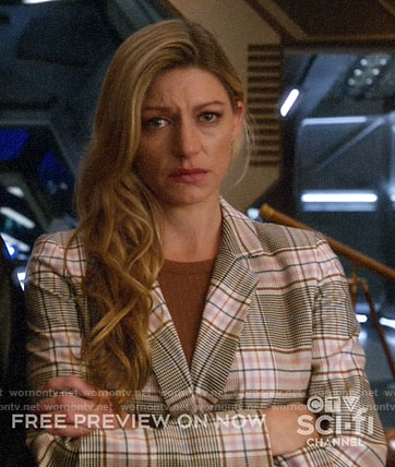 Ava's plaid blazer on Legends of Tomorrow