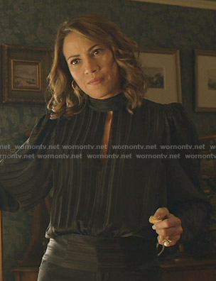 Faye's black striped keyhole blouse on Shameless