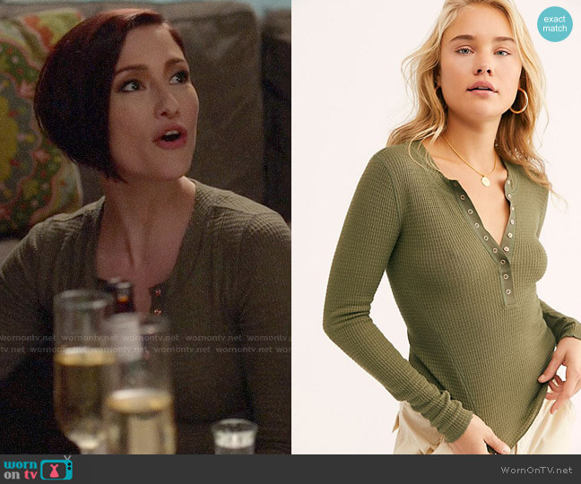 Free People One Of The Girls Henley worn by Alex Danvers (Chyler Leigh) on Supergirl