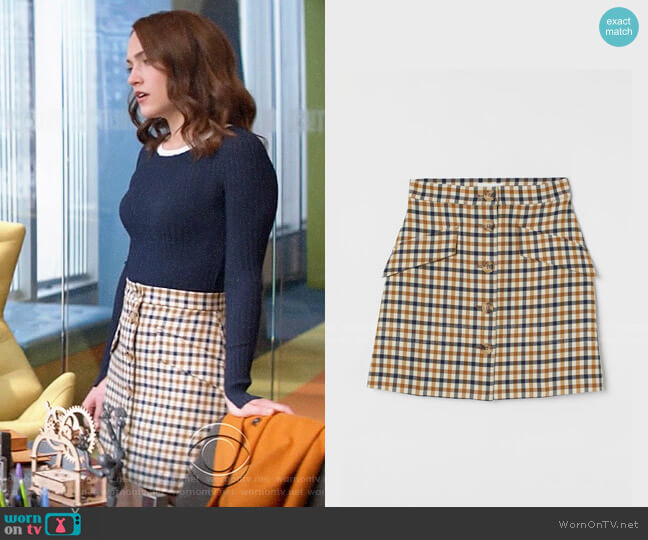 H&M Button Front Skirt worn by Cara Bloom (Violett Beane) on God Friended Me