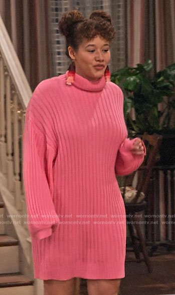 Jade's pink turtleneck sweater dress on Family Reunion