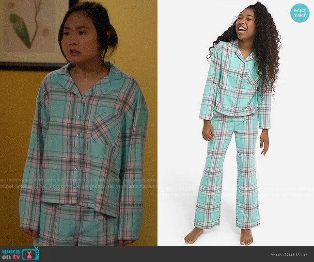 Justice Green Plaid Flannel Pajamas worn by Jen (Krista Marie Yu) on Last Man Standing