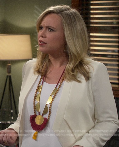 Kristin's white jacket on Last Man Standing