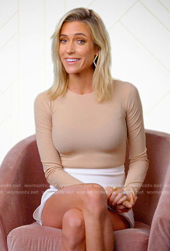 Kristin's beige long sleeve top and white asymmetric skirt on Very Cavallari