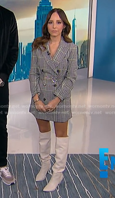 Lilliana's grey plaid blazer on E! News