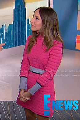 Lilliana's pink turtleneck sweater and knit skirt on E! News