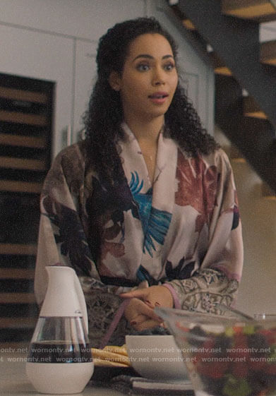 Macy's bird print robe on Charmed