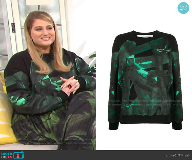 Green Brush Oversize Crew Neck Sweatshirt by Off-White worn by Meghan Trainor on E! News Daily Pop