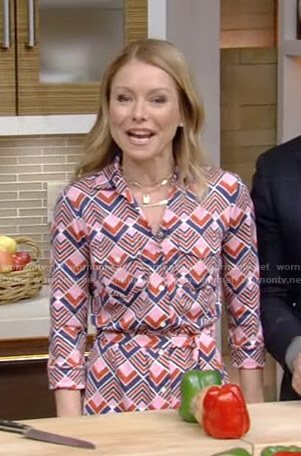 Kelly's pink geometric shirtdress on Live with Kelly and Ryan