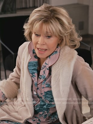 Grace's parrot print pajamas on Grace and Frankie