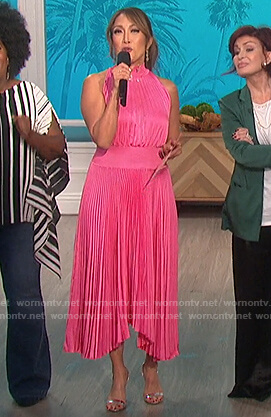 Carrie's pink pleated halter neck dress on The Talk