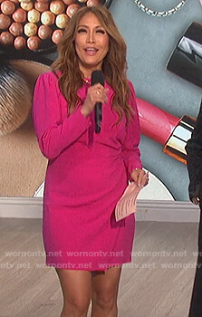 Carrie's pink puff sleeve dress on The Talk