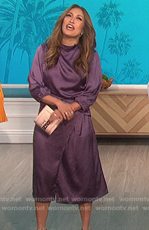 Carrie's purple satin dress on The Talk
