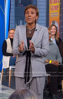 Robin's houndstooth checked suit on Good Morning America