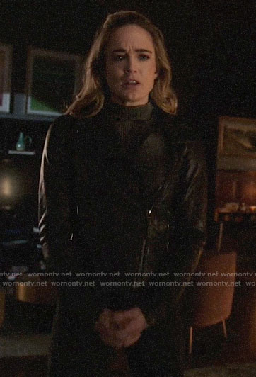 Sara's ribbed top and leather jacket on Arrow
