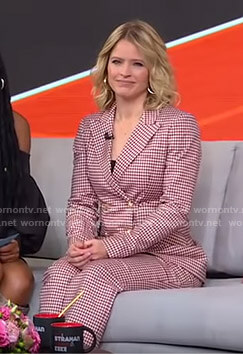 Sara's pink gingham check suit on GMA Strahan Sara And Keke
