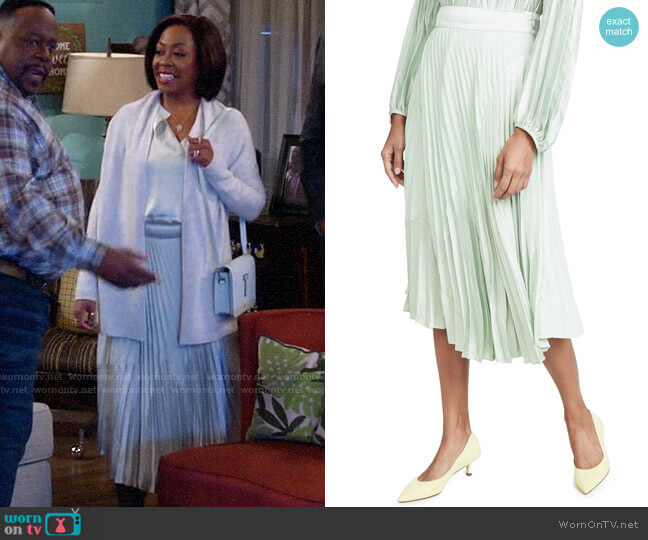 Vince Mixed Chevron Pleated Skirt worn by Tina (Tichina Arnold) on The Neighborhood