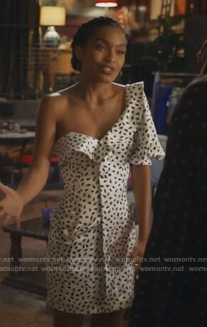 Zoey's white dotted one shoulder dress on Grown-ish
