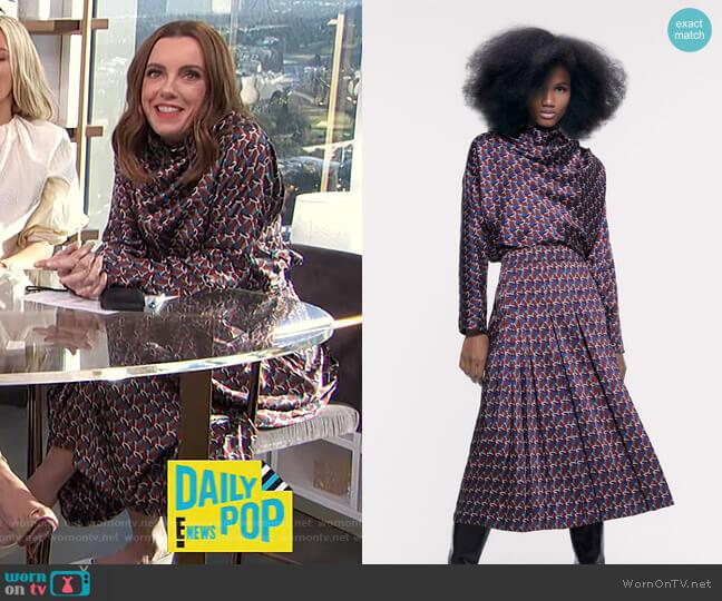 Printed Blouse and Geometric Print Midi Skirt by Zara worn by Melanie Bromley  on E! News