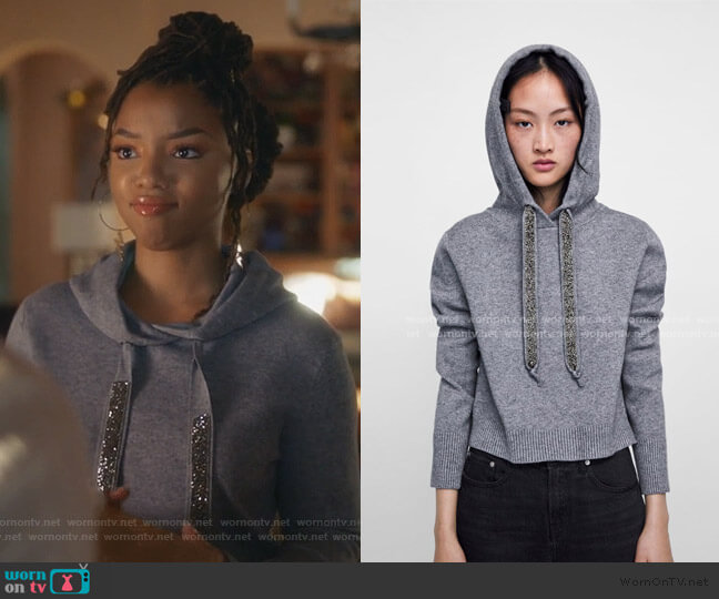 Knit Sweatshirt with Sparkly Stripes by Zara worn by Zoey Johnson (Yara Shahidi) on Grown-ish