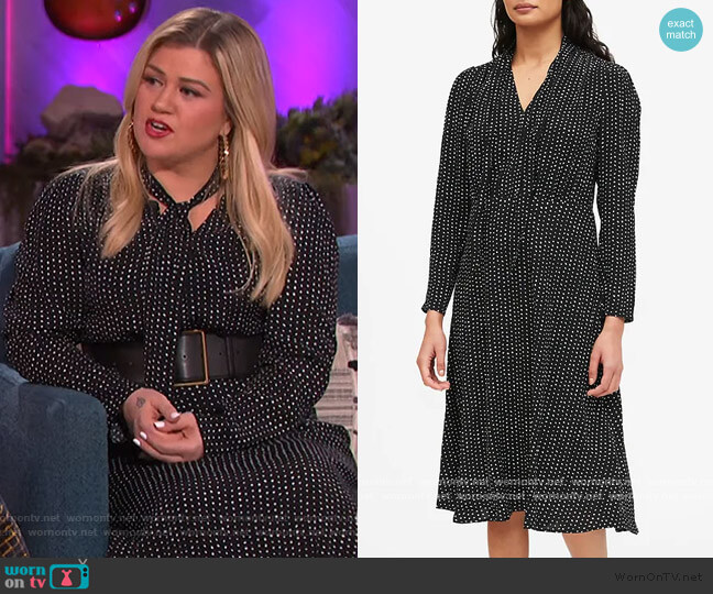 Polka Dot Tie-Neck Dress by Banana Republic worn by Kelly Clarkson  on The Kelly Clarkson Show
