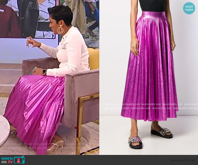 Pleated crinkled-lame maxi skirt by Christopher Kane worn by Tamron Hall  on Tamron Hall Show