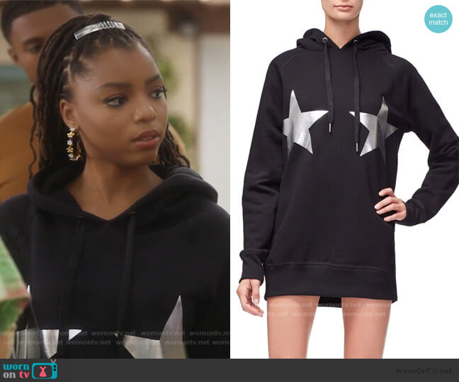 The Stars And Stripes Hoodie by Good American worn by Jazlyn Forster (Chloe Bailey) on Grown-ish