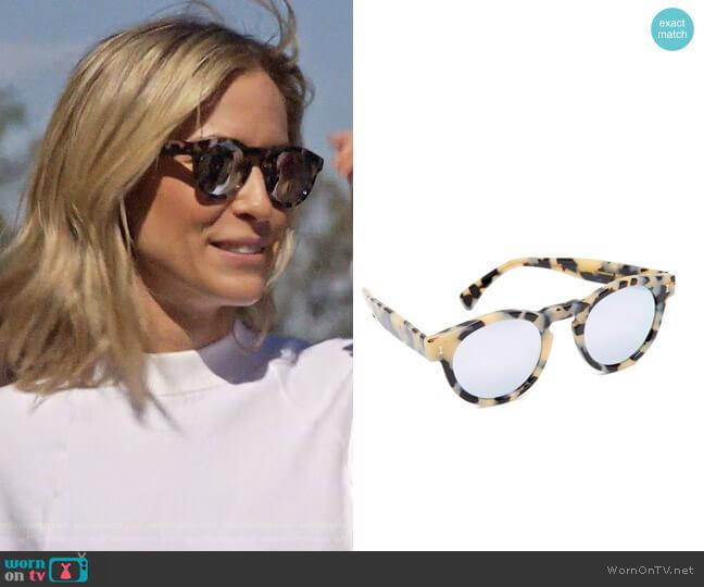 Illesteva Leonard Mirrored Round Sunglasses worn by Kristin Cavallari  on Very Cavallari