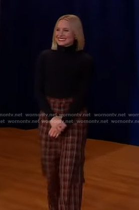 Kristen Bell's black turtleneck sweater and plaid pants on Good Morning America