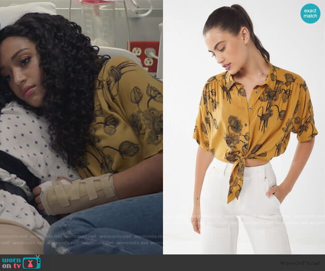 Jena Printed Tie-Front Blouse by Urban Outfitters worn by Olivia Baker (Samantha Logan) on All American
