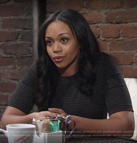 Amanda's grey houndstooth top on The Young and the Restless