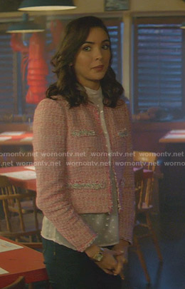 Bess's metallic polka dot top and pink tweed jacket on Nancy Drew