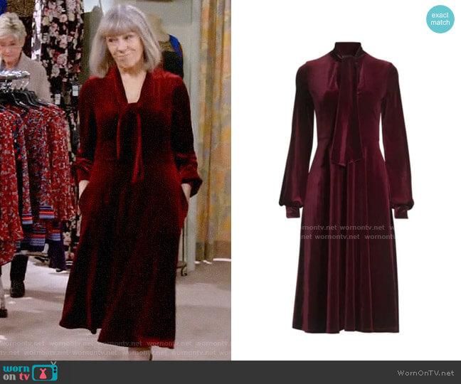 Black Halo Ruby Velvet Dress worn by Marjorie on Mom