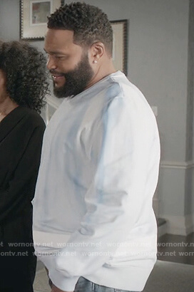 Andre's blue tie dye sweatshirt on Black-ish