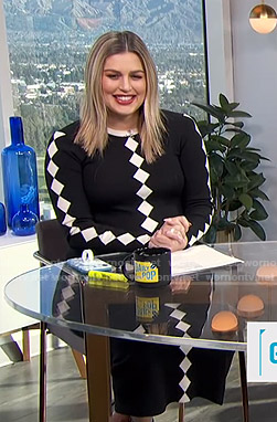 Carissa's black diamond pattern knit dress on E! News Daily Pop