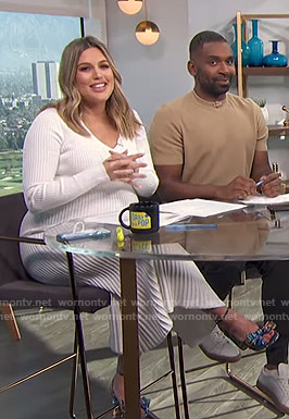 Carissa's white ribbed v-neck dress on E! News Daily Pop