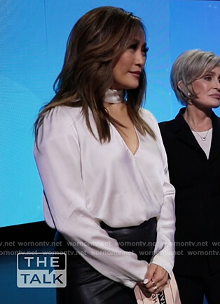 Carrie's white cutout wrap top on The Talk