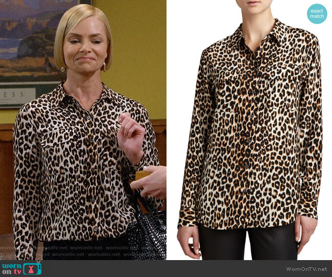 Equipment Slim Signature Leopard-Print Blouse worn by Jill Kendall (Jaime Pressly) on Mom
